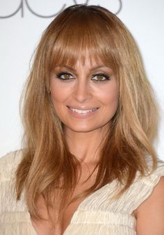 Nicole Richie Long, Straight Hairstyle for Fine Hair - PoPular Haircuts Layered Haircuts With Bangs, Haircuts For Fine Hair, Hairstyles With Bangs, Straight Hairstyles, Blonde Hairstyles, Fine Hairstyles, Long Haircuts, Creative Hairstyles, Latest Hairstyles