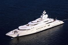 5 Expensive Yachts You Can't Afford ! The Most Expensive Yachts In the World! 5 Expensive Yachts You Can't Afford. Super Yachts, Yacht Luxury, Luxury Boats, Luxury Hotels, Lurssen Yachts, Most Expensive Yacht, Yachting Club, Private Yacht, Private Jet