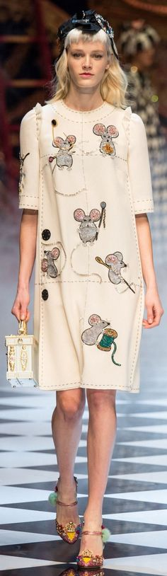 Sewing mice: Of course we love this! Dolce & Gabbana Fall 2016 Ready-to-Wear