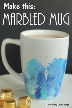 Make your own marbled mug with this great craft tutorial. A simple technique using craft paint and a straw. A Rolo hot chocolate recipe! Cute Crafts, Diy And Crafts, Decor Crafts, Homemade Gifts, Diy Gifts, Diy Becher, Diy Spring, Decoupage, Do It Yourself Inspiration