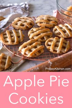 These apple pie cookies from Preppy Kitchen are stuffed with delicious home made apple pie filling and caramel, then surrounded by flakey pie crust. They're absolutely addictive, although I'm still no Apple Pie Cookie Recipe, Apple Pie Recipe Easy, Homemade Apple Pie Filling, Best Apple Pie, Cookie Pie, Apple Pie Recipes, Cookie Recipes, Sweet Pie Crust Recipe, Apple Pie Pastry