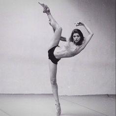 Amazing. #dance #ballet #pointe Dancer: Oksana Bondareva