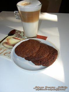 Régen sütöttem már valamilyen kekszet, itt volt az ideje. :) Egyszer és nagyszerű, na meg isteni finom. Stahl Judit Büntetlen örömök c. k...