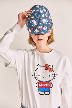 Hello Kitty x Levi's Unveil a Women's-Only Limited Edition Collection: A childhood classic with a streetwear twist. Hello Kitty Outfit, Hello Kitty Clothes, Japanese Characters, Iconic Characters, Levis, Hello Kitty Merchandise, Mickey Mouse, Hello Kitty Collection, Jumpsuits For Women