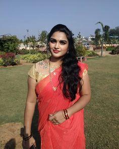 Desi Girl Image, Girls Image, Aunty In Saree, Snake Girl, Beautiful Women, Most Beautiful, Indian Dresses, Girl Photos, Beautiful Housewife