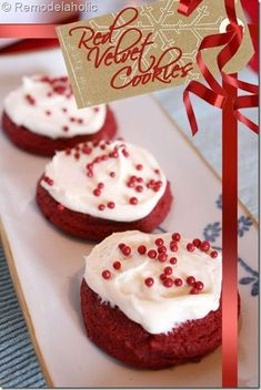Red Velvet Cookies Recipe (semi Homemade, fast easy recipe that uses a sugar cookie mix! Christmas Desserts, Holiday Treats, Christmas Treats, Holiday Recipes, Merry Christmas, Yummy Cookies, Yummy Treats, Delicious Desserts, Sweet Treats