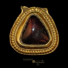 Anglo-Saxon 'Cabochon Garnet' Pendant Mount, late 6th early 7th c.