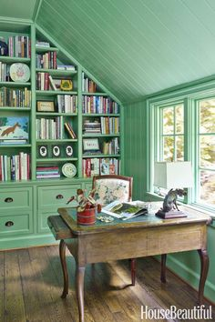 Trendy home office design green built ins ideas Home Office Layouts, Home Office Design, Home Office Decor, Office Desk, Design Furniture, Home Office Furniture, Mint Green Rooms, Green Walls, Green Bookshelves
