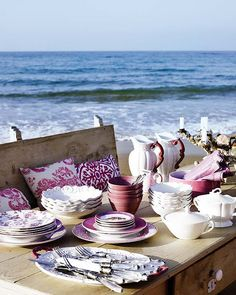 gorgeous...a beautiful set-up for a delicious meal - that's what I call living well and ready to eat well.
