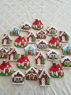 Cute Christmas Cookies For 2018 of the best decorated Christmas cookies. Different cookie cutouts and decorating styles are here with some easy recipes thrown into the mix as well. Find classics such as shortbread cookies, gingerbread cookies, suga Cute Christmas Cookies, Christmas Gingerbread House, Iced Cookies, Noel Christmas, Shortbread Cookies, Holiday Cookies, Gingerbread Houses, Christmas Biscuits, Christmas Baking