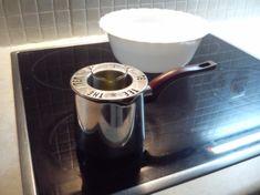 το Χρήσιμο: Θαυματουργή κεραλοιφή για εγκαύματα Keurig, Kettle, Coffee Maker, Kitchen Appliances, Coffee Maker Machine, Diy Kitchen Appliances, Tea Pot, Coffee Percolator, Home Appliances