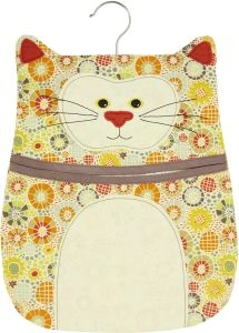 Shop for Ulster Weavers Cat Peg Bag. Sewing Hacks, Sewing Crafts, Sewing Projects, Clothespin Bag, Peg Bag, Clothes Pegs, Diy Banner, Cat Crafts, Little Bag