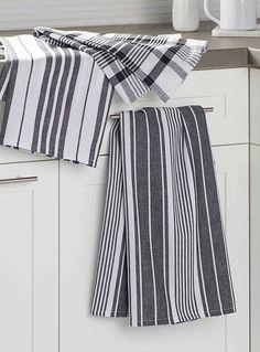 Oversized graphic contrast tea towels Set of 3 Kitchen Hand Towels, Kitchen Linens, Dish Towels, Tea Towels, Vertical Striped Shirt, Textile World, Striped Towels, Linen Towels, Room Tiles