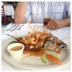 … ¡Mariscos a lo Salvadoreño! … Restaurante Acajutla