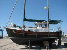 Where is the best place to stay in Istria? Wooden Sailboat, Wooden Boats, Cool Boats, Small Boats, Yacht Design, Boat Design, Pilothouse Boat, Trawler Boats, Istria Croatia