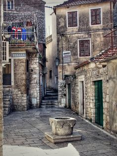 a walk through the old parts of Split