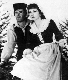 Claudette Colbert in Drums along the Mohawk, movie 35