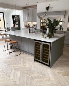 Open Plan Kitchen Living Room, Kitchen Dining Living, Home Decor Kitchen, Interior Design Kitchen, New Kitchen, Kitchen Ideas, Awesome Kitchen, 10x10 Kitchen, Kitchen Furniture