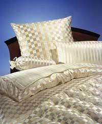 silk-bedding-cellini-design-seidenbettwaesche-067 #Silk bedsheet and duvet cover made in Germany by #Cellini Design. #Seidenbettwäsche aus reiner #Seide von #Spinnhütte Cellini Design aus Deutschland.