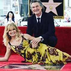 What an amazing thing to see! Amazing @officialgoldiehawn and #kurtrussell got stars on the #hollywoodwalkoffame! It took way too long for this to happen! #goldiehawn #celebritycouple #celebrity #hollywood #hollywoodlife #hollywooddreams http://tipsrazzi.com/ipost/1507573121811817400/?code=BTr-cROhSO4