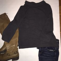 J. Crew gustoso 100% cashmere sweater Beautiful and comfortable 3/4 sleeve cashmere sweater. Absolutely perfect for this season and its in great used condition! J. Crew Sweaters Cowl & Turtlenecks