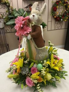 Custom centerpiece for Easter by Beneva Flowers in Easter Peeps, Easter Treats, Easter Bunny, Same Day Flower Delivery, Easter Traditions, Easter Decor, Decor Crafts, Container Gardening, Tablescapes