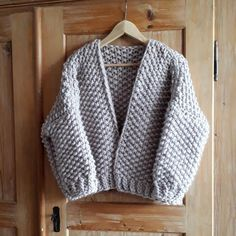 The Mercury Cardigan Knitting pattern by Soul Knitwear / Anja Weber Chunky Knitting Patterns, Knitting Yarn, Moss Stitch, Knitted Slippers, Dress Gloves, Yarn Brands, Cardigan Pattern, Jumpers For Women, Diy Clothes
