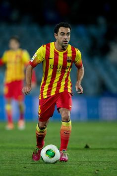 Xavi Hernandez of FC Barcelona controls the ball during the Copa del Rey Round of 8 second leg match between Getafe CF and FC Barcelona at Coliseum Alfonso Perez on January 16, 2014 in Getafe, Spain.