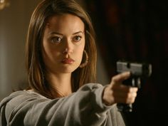 Summer Glau Terminator: The Sarah Connor Chronicles - Season One - Promos & Stills . Summer Glau Terminator, River Tam, Summer Goddess, Isla Fisher, Shaved Head, Great Videos, Classic Tv, The Duff, Female Characters