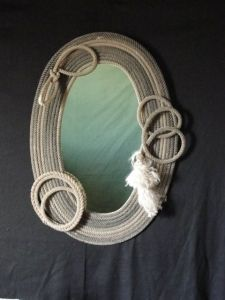 Lariat rope mirror Cowboy Crafts, Western Crafts, Western Decor, Sisal, Horseshoe Projects, Horseshoe Art, Rope Mirror, Diy Mirror, Rope Decor