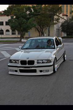 BMW E36 3 series white slammed