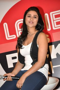 parineeti chopra wallpapers santabanta