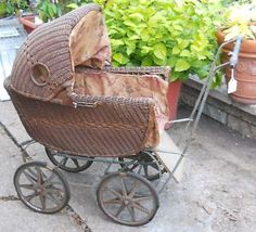 Antique Victorian Wicker Rattan Baby Doll Buggy Carriage. Vintage Pram, Vintage Dolls, Baby Furniture, Doll Furniture, Victorian Toys, Vintage Baby Dresses, Prams And Pushchairs, Dolls Prams, Baby Buggy