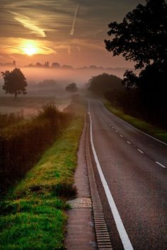 """Misty Sunset, Trent Park, London, England but reminds me of the road from the opening scene of """"A Tainted Mind"""" Beautiful Roads, Beautiful Landscapes, Beautiful World, Beautiful Places, Foto Nature, Belle Photo, Places To See, Scenery, Country Roads"""