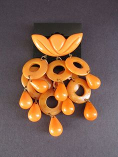 Vintage 1930s Bakelite RARE Orange Carved Dangling Teardrop Cluster Brooch Pin