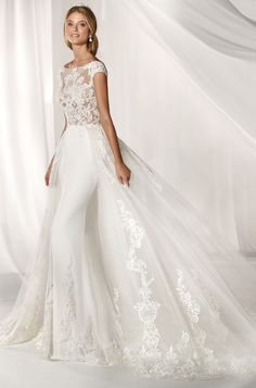 Scoop illusion sheath wedding gown with laced tulle skirt Stunning Wedding Dresses, Dream Wedding Dresses, Beautiful Gowns, Bridal Dresses, Wedding Gowns, Sheath Wedding Gown, One Shoulder Wedding Dress, Marie, Ball Gowns