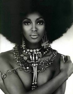 Naomi Campbell {beautiful british black woman fashion model female face portrait with afro #naturalhair and jewelry b+w photography}