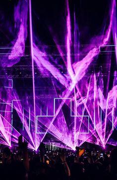 Martin Garrix Concert, Martin Garrix Show, Dj Music, Music Stuff, Music Is Life, Lollapalooza, Coachella, Concert Lights, Laser Show