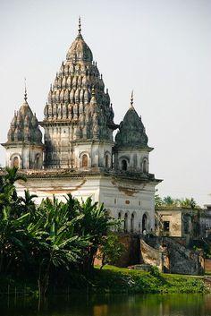 http:/bangladesh.mycityportal.net - Shiva Temple, Puthia, Bangladesh