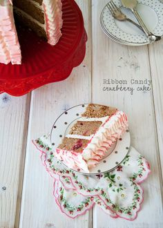 Ruffle Ribbon Frosting Cake how-to