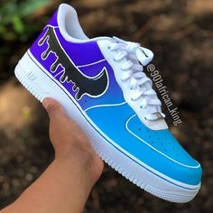 Nike Shoes OFF!> Custom Air Force Drip Effect ☔️🖤 ————————————————- Custom shoes that make you understand what drip is. These all out Purple And Blue… Jordan Shoes Girls, Girls Shoes, Custom Sneakers, Custom Shoes, Cute Nike Shoes, Painted Sneakers, Nike Shoes Air Force, Baskets, Fresh Shoes