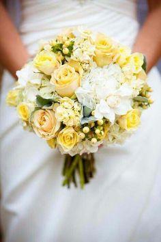 10 buquês amarelos - Pantone Primrose Yellow