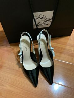 Christian Dior J'Adior Size 38 Black Slingback Patent Leather Pumps New In Box Women's Open Toe Sandals, Black Sandals, Black Patent Leather Pumps, Leather Ballet Flats, T Strap Flats, Ankle Strap Sandals, Christian Dior Shoes, Dior Sandals, Kitten Heel Pumps