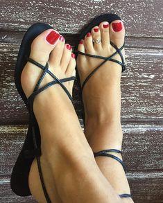 Perfect Feet In Shoes Strappy High Heels, Sexy Sandals, Beautiful Toes, Beautiful High Heels, Cute Toes, Pretty Toes, Feet Soles, Women's Feet, Beach Feet