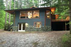 Woodstone Cabin in Snowline community near Mt Baker, Washington! Family-friendly!