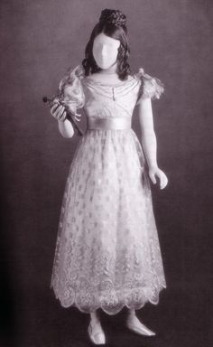 1831: Princess Victoria wore this dress when she was 11.