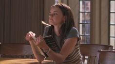 the end of the rainbow Estilo Rory Gilmore, Rory Gilmore Style, Smart Girls, Movies And Tv Shows, Movie Tv, Girl Outfits, School, Pretty, People