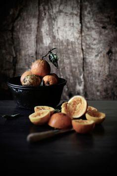 Pratos e Travessas: Pudim de laranja e coco com compota de morango e limonete # Orange and coconut pudding with strawberry, verbena compote | Food, photography and stories