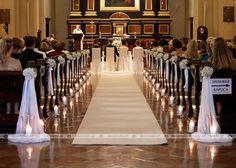 Ślub w blasku świec Klasztor Karmelitów wedding pews Wedding Church Aisle, Church Wedding Flowers, Catholic Wedding, Wedding Bouquets, Wedding Ceremony, Church Weddings, Church Pew Decorations, Wedding Aisle Decorations, Wedding Centerpieces