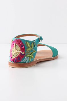 .        New      Clothes      Shoes      Accessories      Lounge & Beauty      House & Home      Sale        Home      >      Shoes      >      Sandals